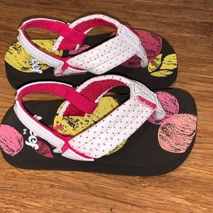 Reef white infant thong sandals. Size 3/4 infant